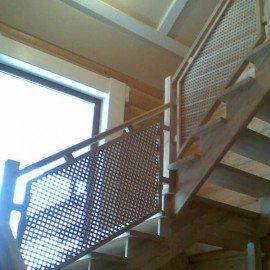 Деревянные решетки для лестницы